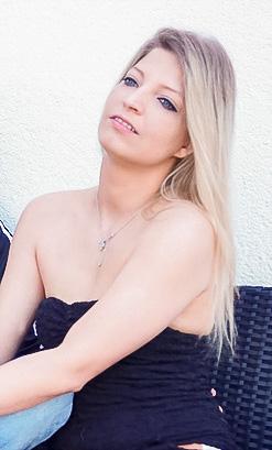 Bella S.