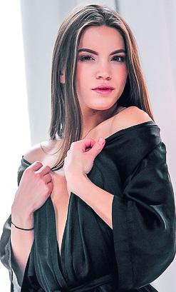 Evelina Darling Porno 2021