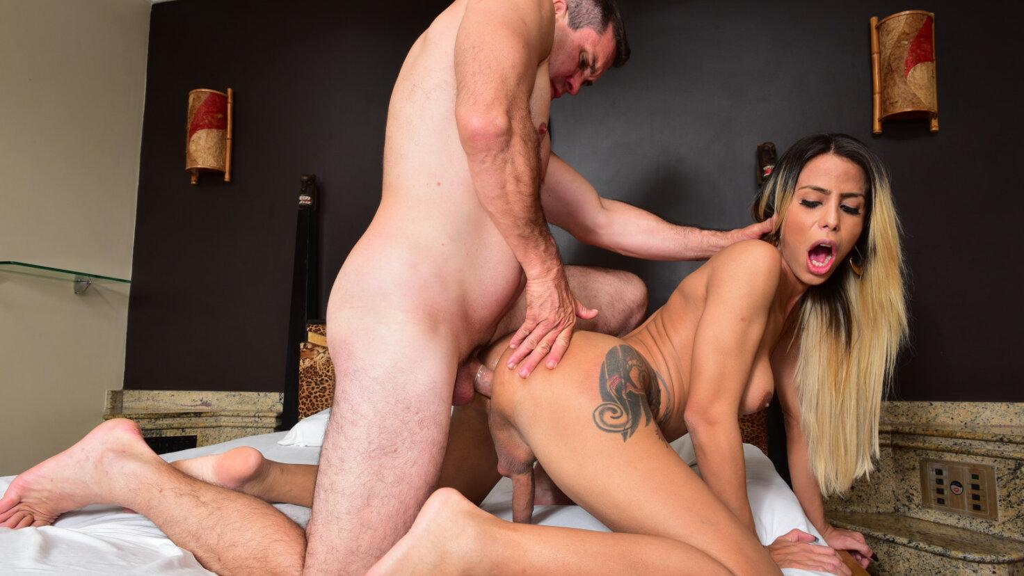 Kinky seduction game and intense fuck with Brazilian TGirl Bruninha Almeida