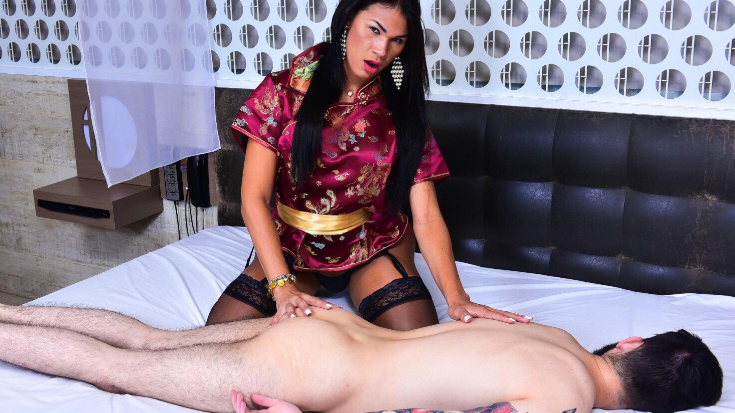 Erotisk massasje og het analsex med en transjente
