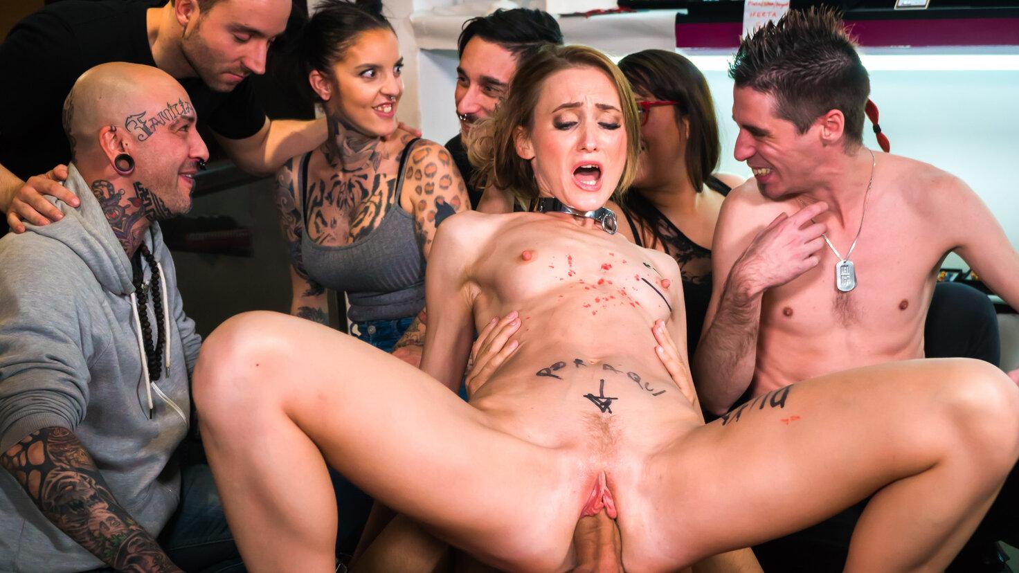Slim babe enjoys erotic humiliation & bondage sex