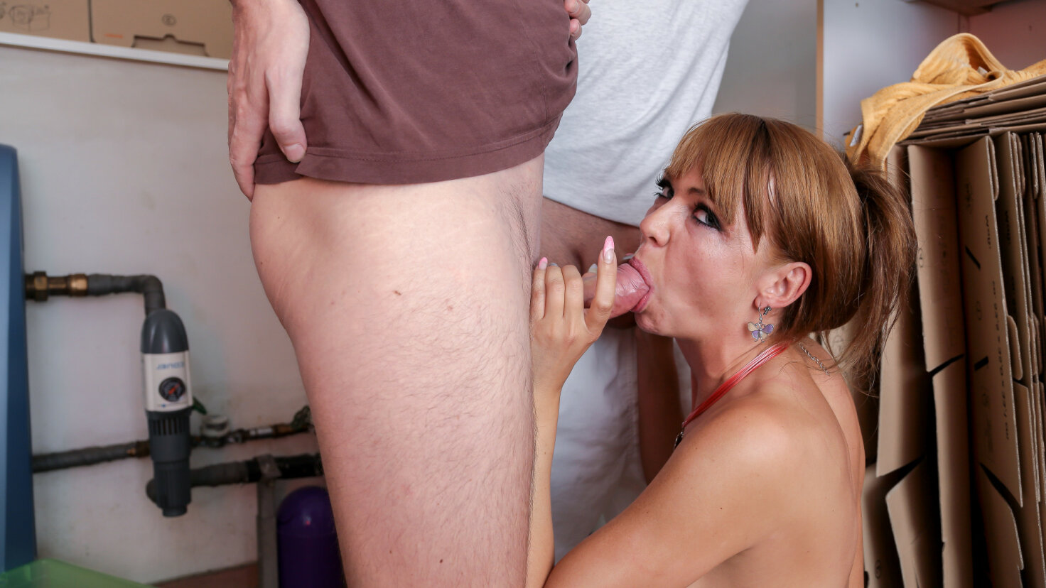 Sweet German mature gets banged on the washing machine in hot MMF threesome