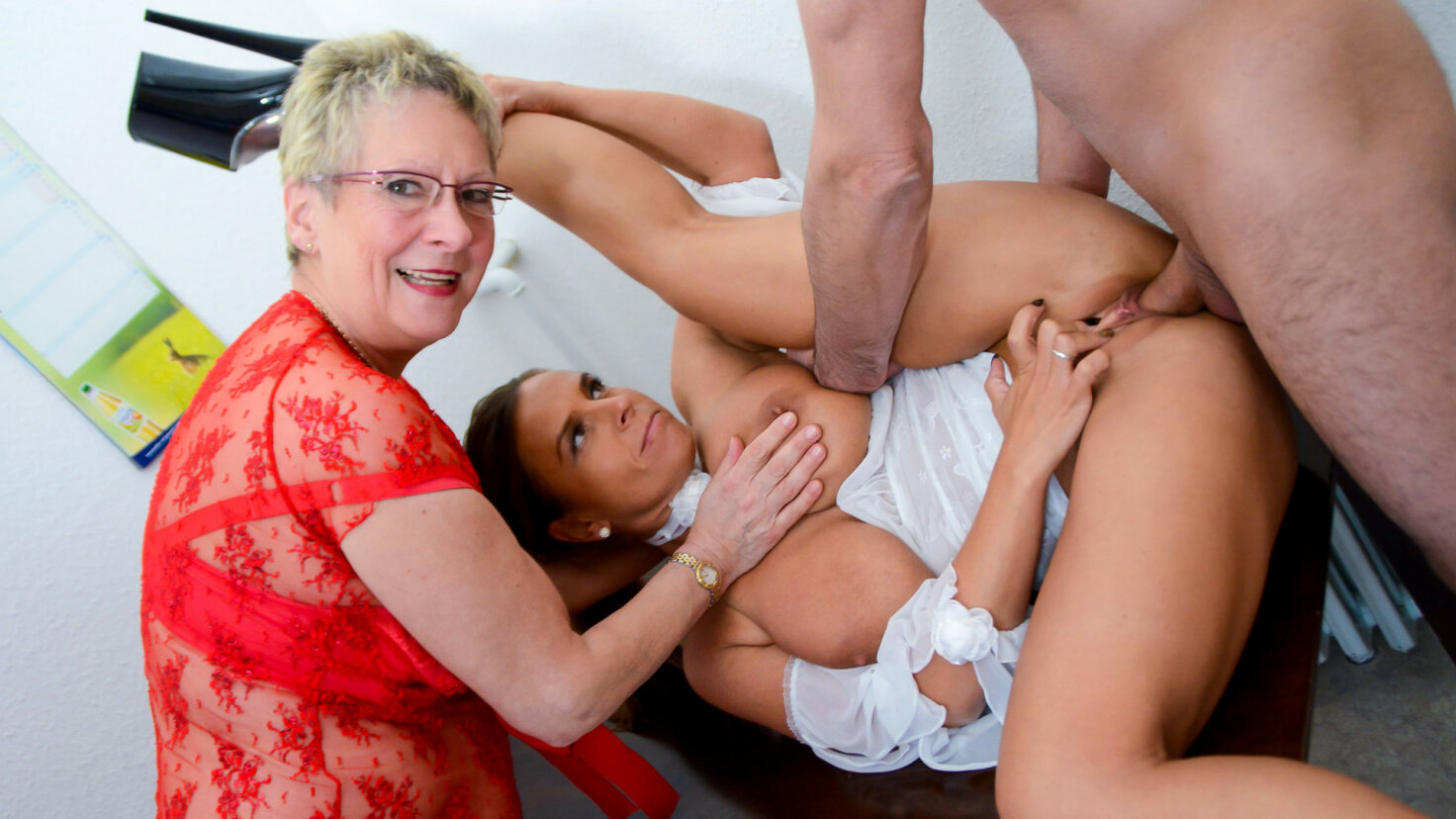 Naughty German amateur grannies get dirty in hardcore FFM threesome