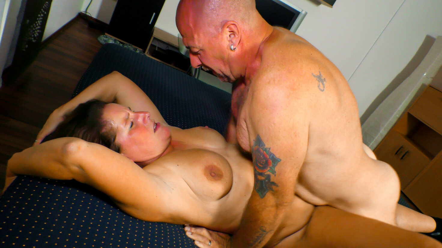 Mature German chick gets cum covered in steamy amateur hard fuck