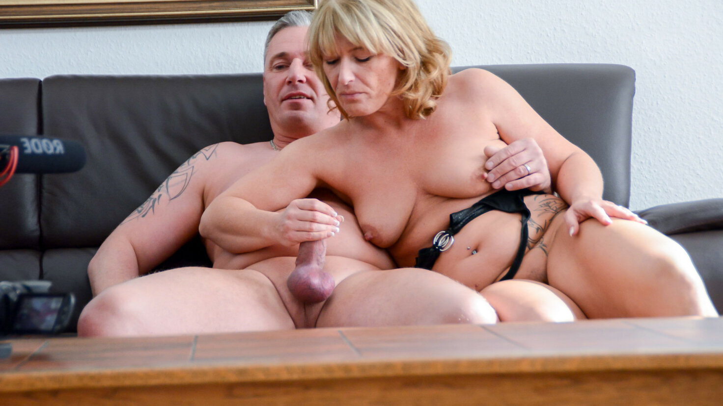 Intense foursome with kinky mature German swingers
