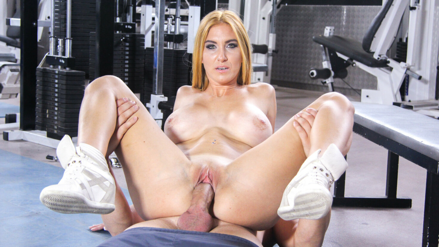 Busty Spanish blondie Valeria Blue gets cum covered in steamy gym fuck