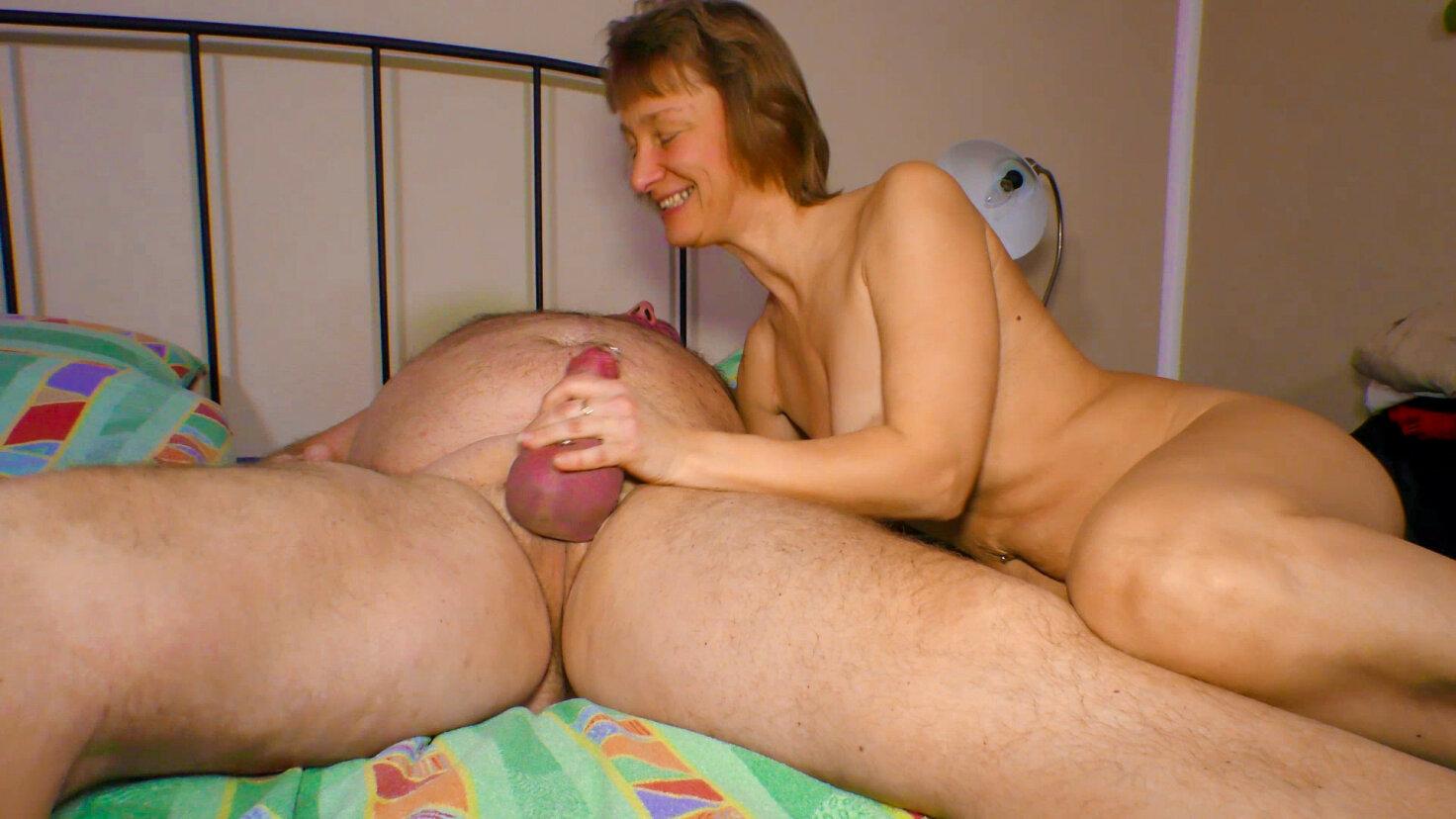 Slutty German granny Manuela H. loves the taste of fresh cum