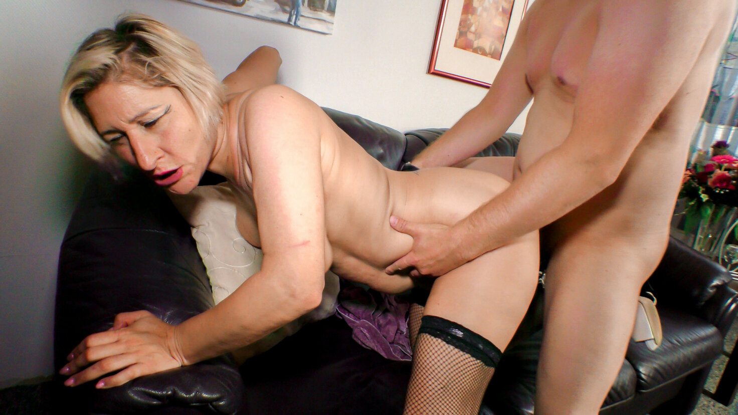 Busty German newbie Teresa R. gets her mature twat fucked in sex reportage