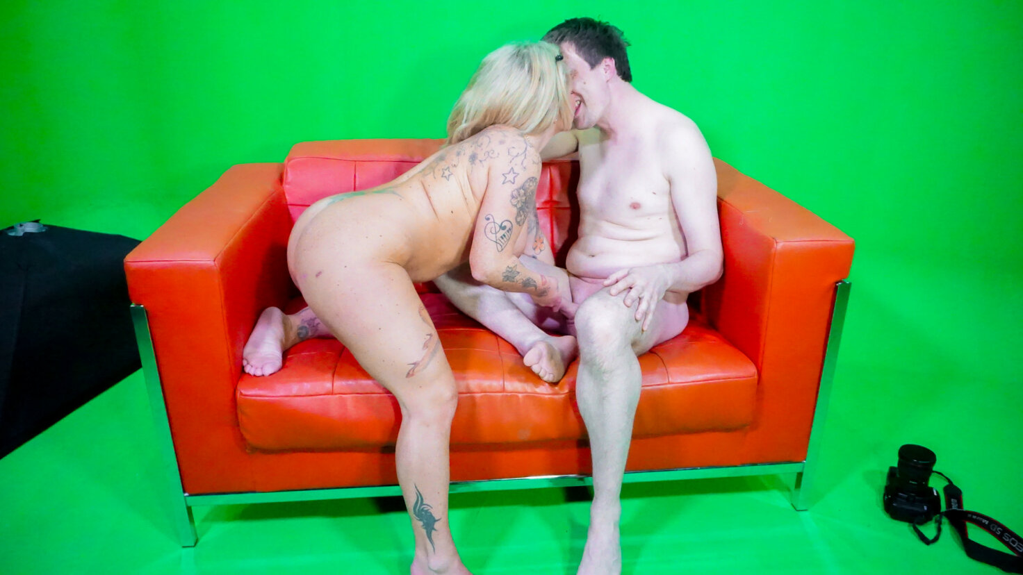 Amateur tattooed German housewife delights in hardcore sex and cum on tits