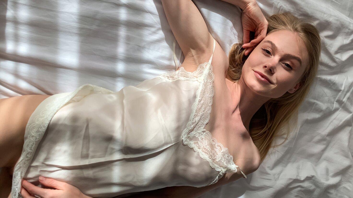 Bedøvelse skønhed nyder hjemmelavet POV-sex