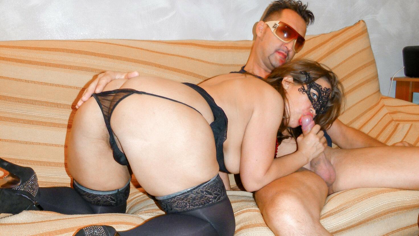 Naughty Italian swinger sex with masked mature newbie Fabiola