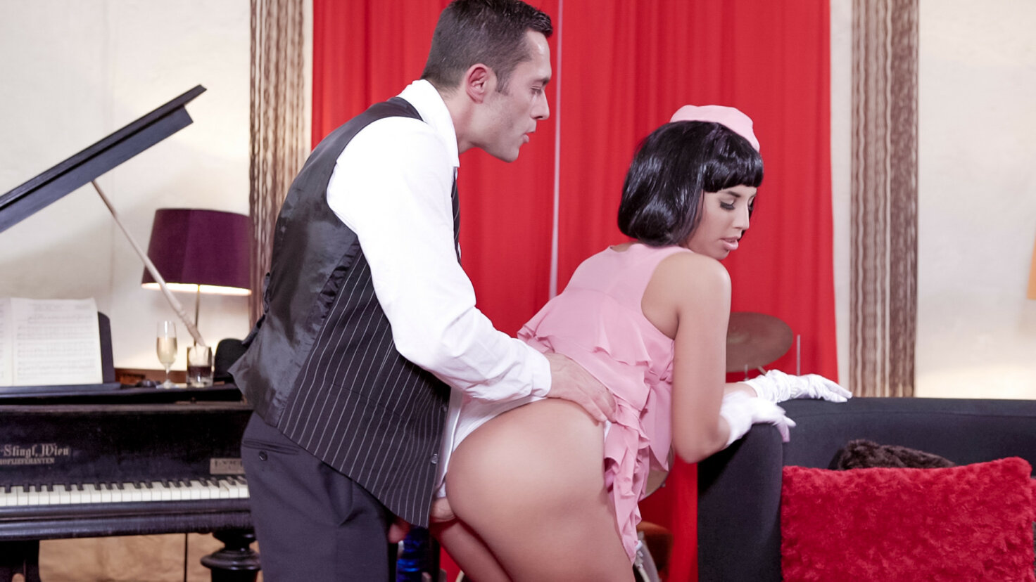 Seductive Hungarian pinup babe Jenette eats cum in hot fuck with musician