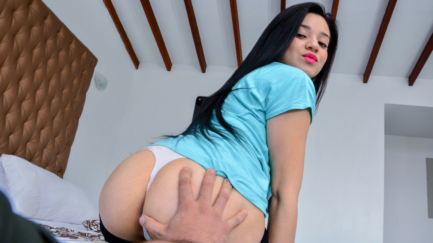 Latina Juliana Davila gets her juicy pussy cum covered in pickup & fuck