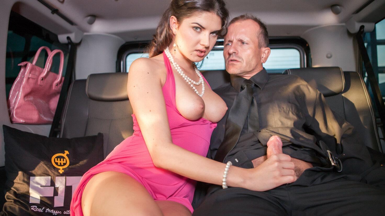 Italian babe Francesca Di Caprio craves some car sex at the airport
