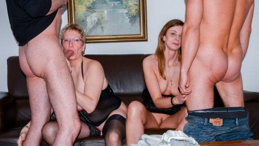 Swingers alemanes se montan un cuarteto de sexo duro con dos maduras zorras