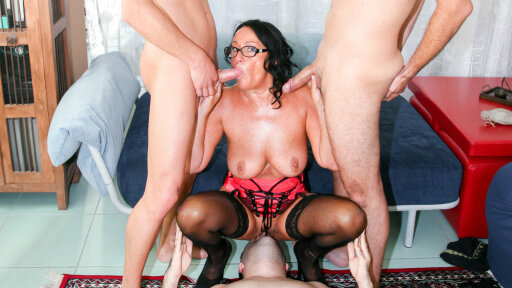 Mature Italian swinger Laura Rey gets anally fucked in foursome