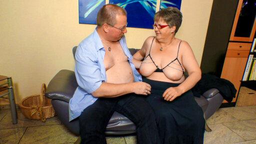 La madura gorda Birgit W. protagonizando una escena porno amateur