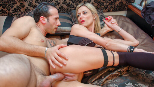 Slutty French mature amateur gets cum covered in hot rough fuck