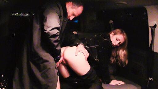 Tschechische Blondine Beatrix Glower von George Uhl im Wagen gefickt