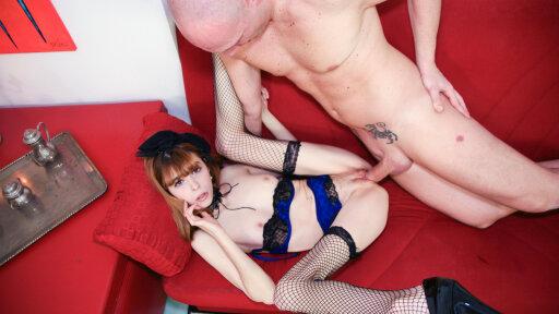La flaca amateur Yukikon en un casting de porno italiano con Capitano Eric