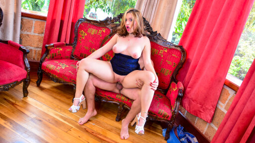 Voluptuous Latina ex-girlfriend Elisa Marin rides hard cock for revenge